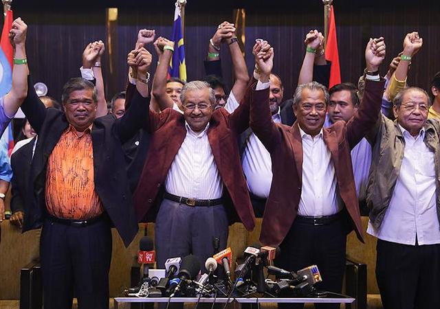 Mahathir Muhammed seçimleri yine kazandı