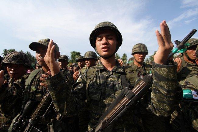 Duterte imzayı attı, Moro artık özerk