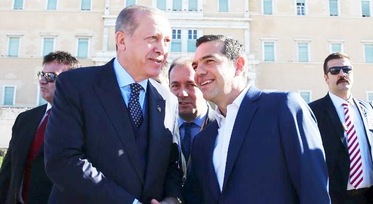 Yangınla bunalan Yunan yönetime, 2 askerin serbest kalması oksijen oldu