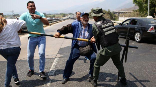 Venezuela'ya ters köşe, Brezilya sınırında sıcak saatler...